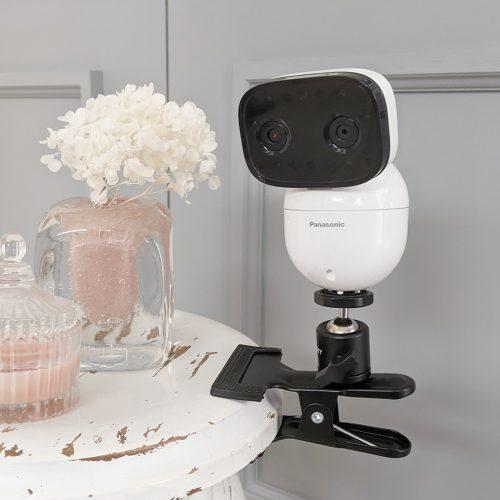 パナソニックのベビーモニター(KX-HC705-W)を改良して、壁に穴を開けずにカメラの設置が楽に!!そして自由に!!